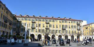 Que faire à Nice : découvrez la Place Garibaldi