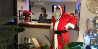 VIDEOS - Père Noël à Nice de passage dans nos hôtels
